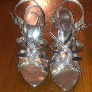 Silver heels perfect for a special occasion !